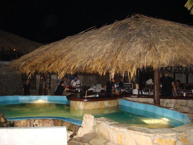 Bazén so slnečníkom - bar Zrče - Jeden z barov na pláži Zrče