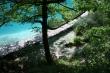 Chodník popri jazere - niekedy išiel chodník aj ponad jazerá. Veľmi pekná turistika, určite sa oplatí po ceste k moru zastaviť