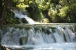 kaskády na jazere - Krásne kaskády na Plitvických jazerách vytvárali príjemnú klímu