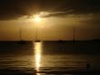 Plachetnice pri západe slnka - Plachetnice v kotviace v zátokách ostrova Pag