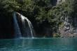Vodopády na Plitviciach - ďalší vodopádik počas turistiky na Plitvických jazerách v Chorvátsku